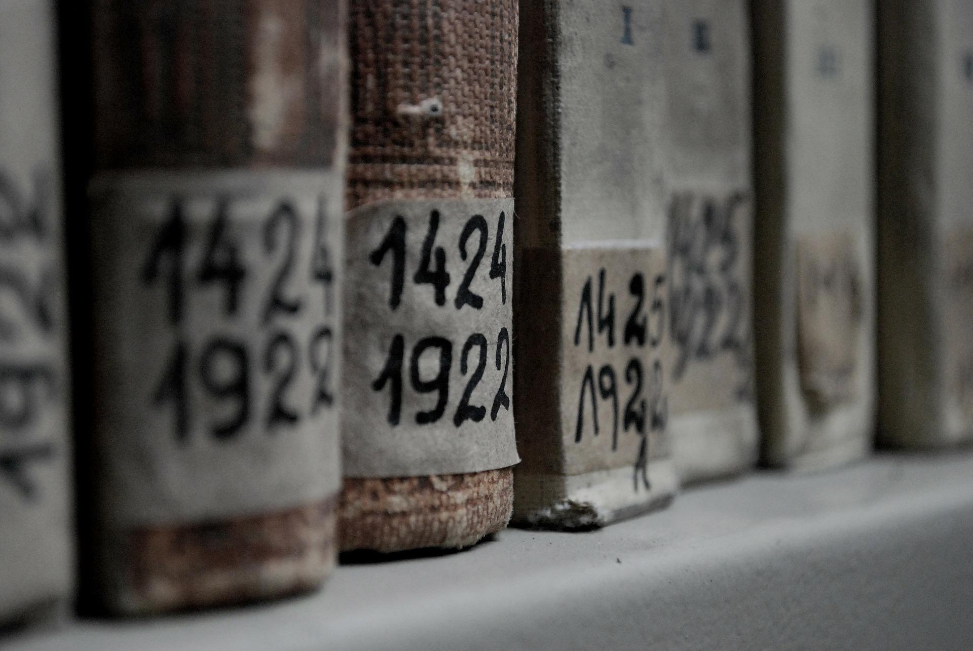 book-283245_1920