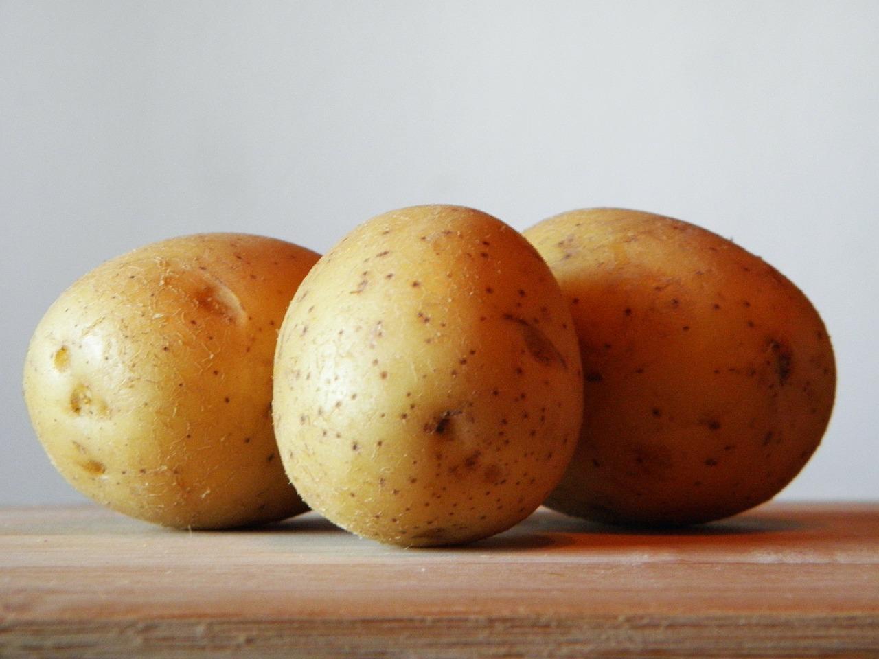 potatoes-179471_1280