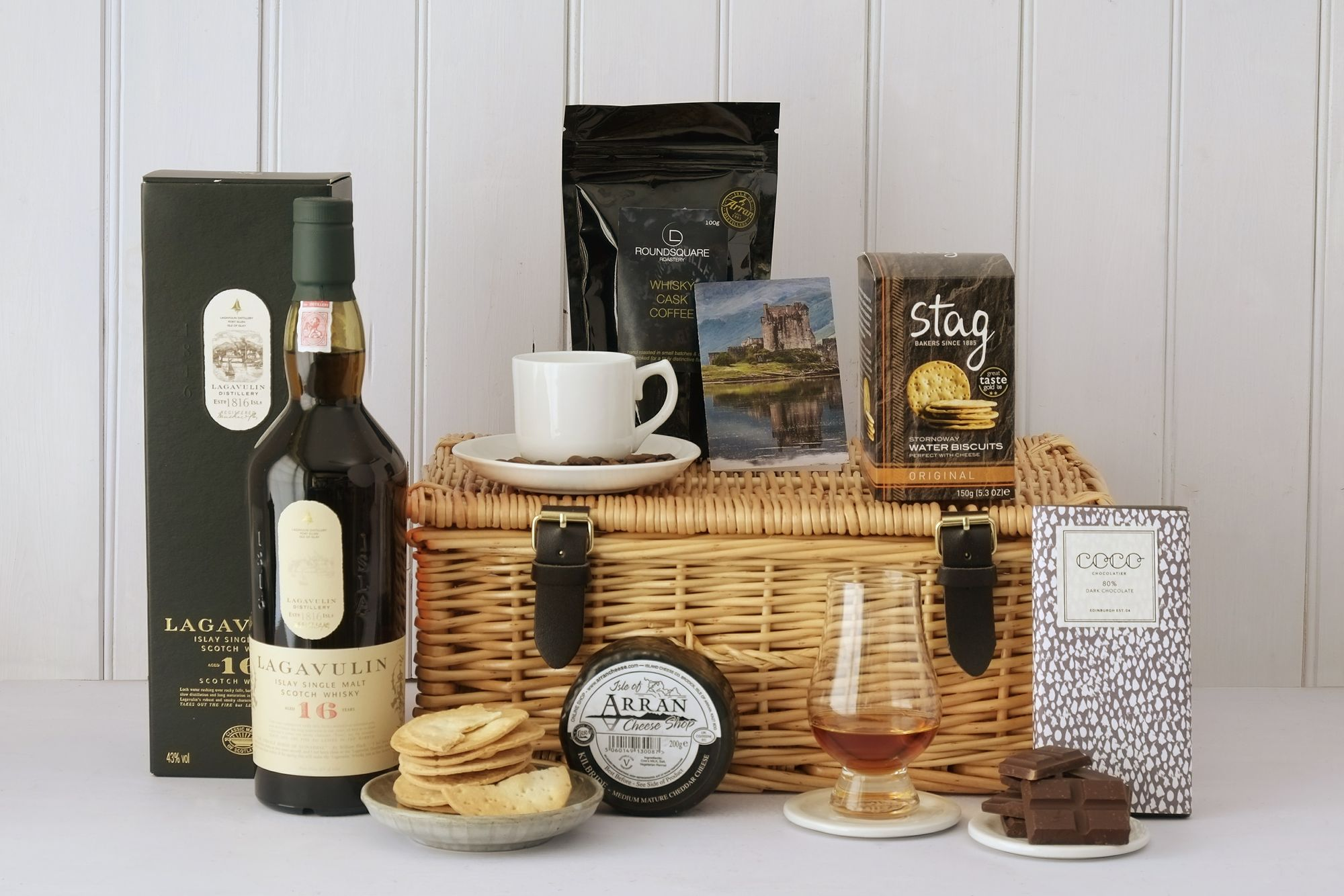 LAGAVULIN WHISKY GIFT HAMPER