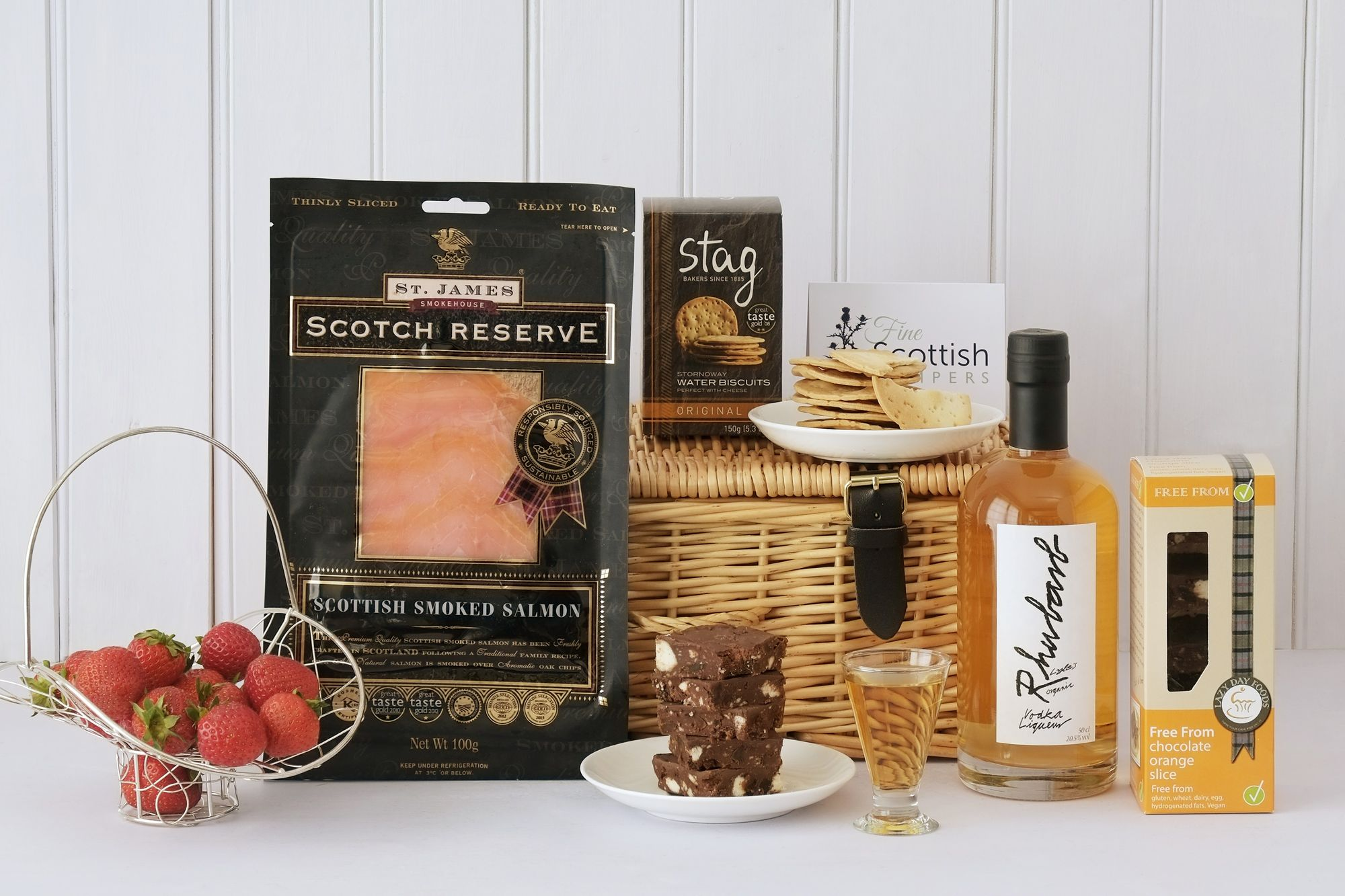 SCOTTISH PICNIC HAMPER